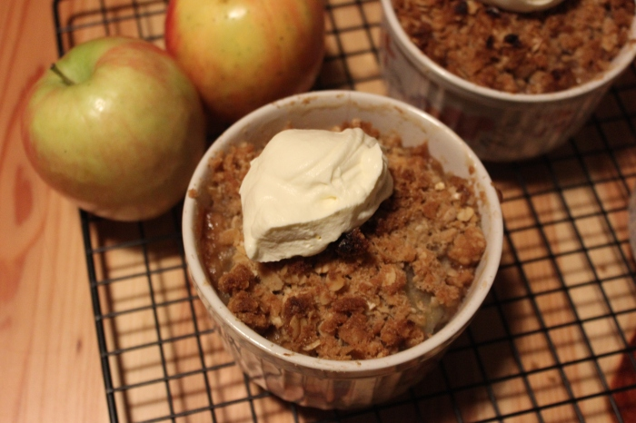 apples feijoa crumble (2)